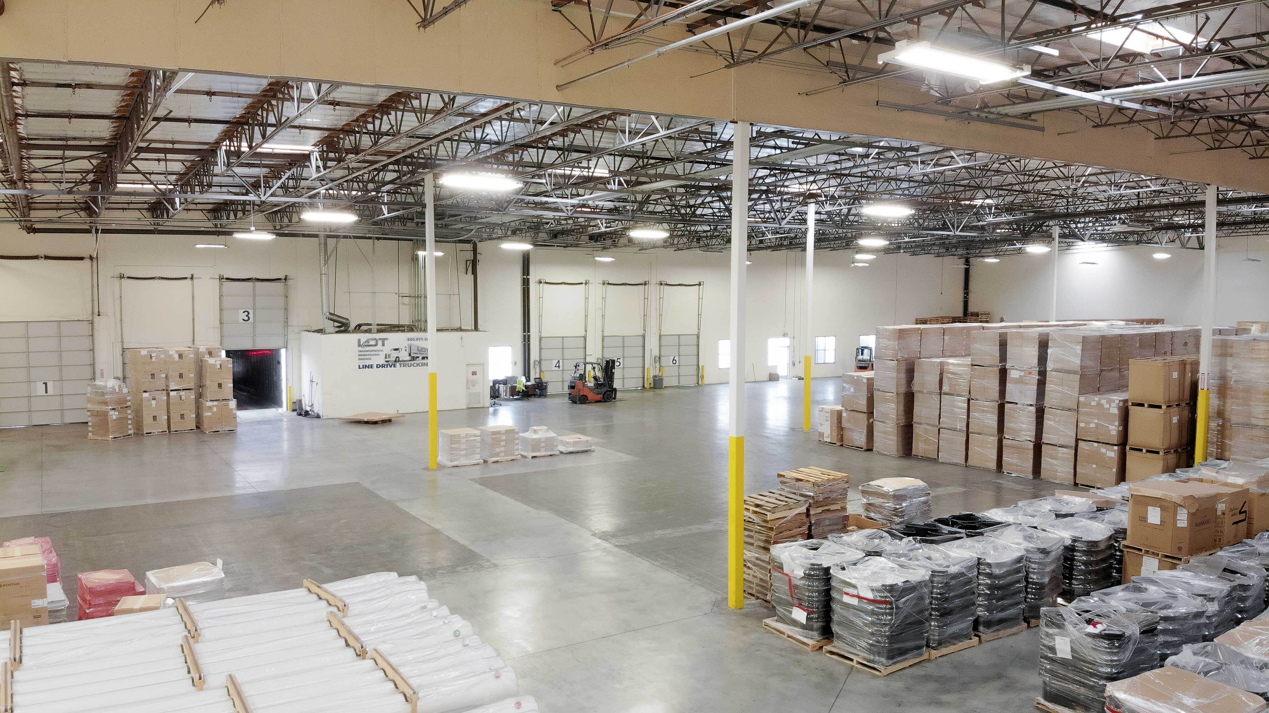 /uploads/2019/11/ldt-inside-warehousing-ops.jpeg
